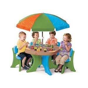 Deluxe Play and Shade Patio set by Step 2